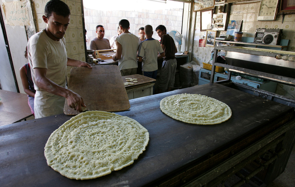 jordanian workers make qatayef