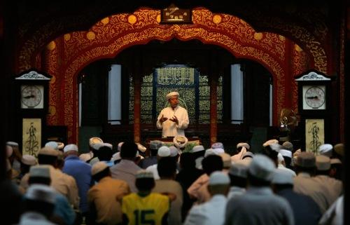 muslim attend friday prayers