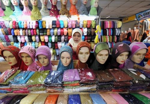 vendor of headscarfs