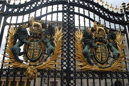 buckingham-palace-gate