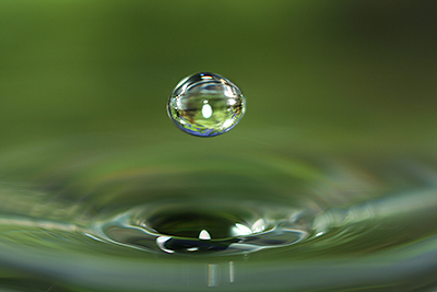 macro-water-droplet